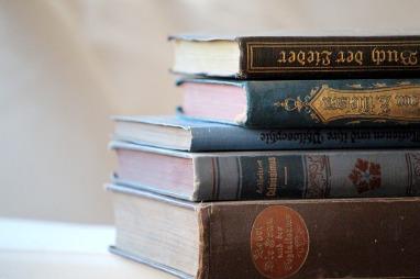 books-4305459_960_720